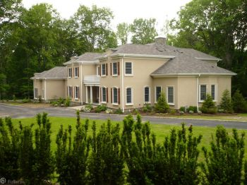 Single Family Home for Sale in Upper Saddle River, NJ 07458
