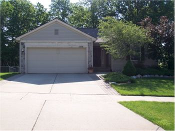 Single Family Home for Sale in Holly, MI 48442