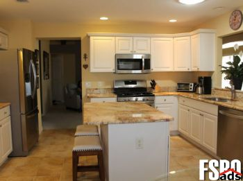 Single Family Home for Sale in The Villages, FL 32162