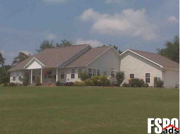 Single Family Home for Sale in Parkersburg, WV 26104