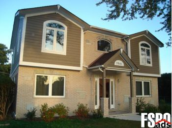 Single Family Home for Sale in Justice, IL 60458